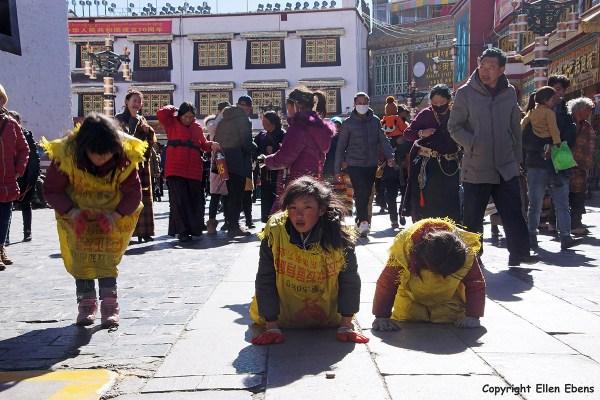 Lhasa prostrating Barkhor