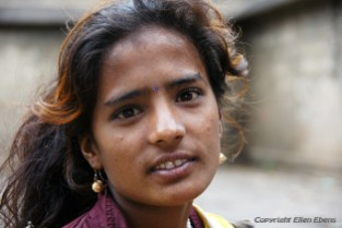 Young lady, city of Maneshwar