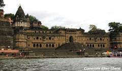 The ghats at the river at Maneshwar