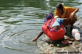 Women at the river at Omkareswar
