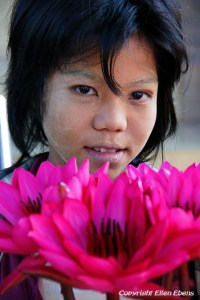 A girl selling flowers at the Shenattaung pagoda near Pyay