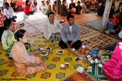 Pindaya, festivities in a private house because of the New Moon Festival