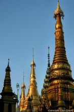 Yangon, Shwedagon Pagoda at sunset