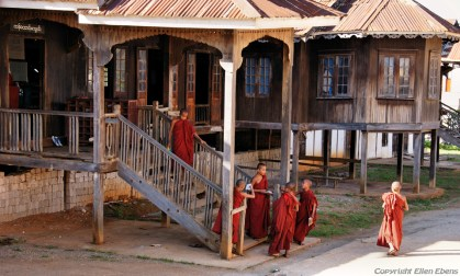 Pindaya, little monks leaving their house in the monastery