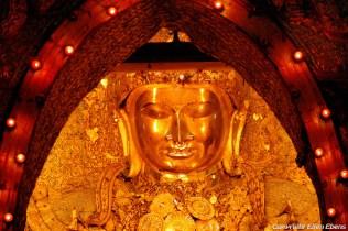 Mandalay, Buddha at the Mahamuni Pagoda