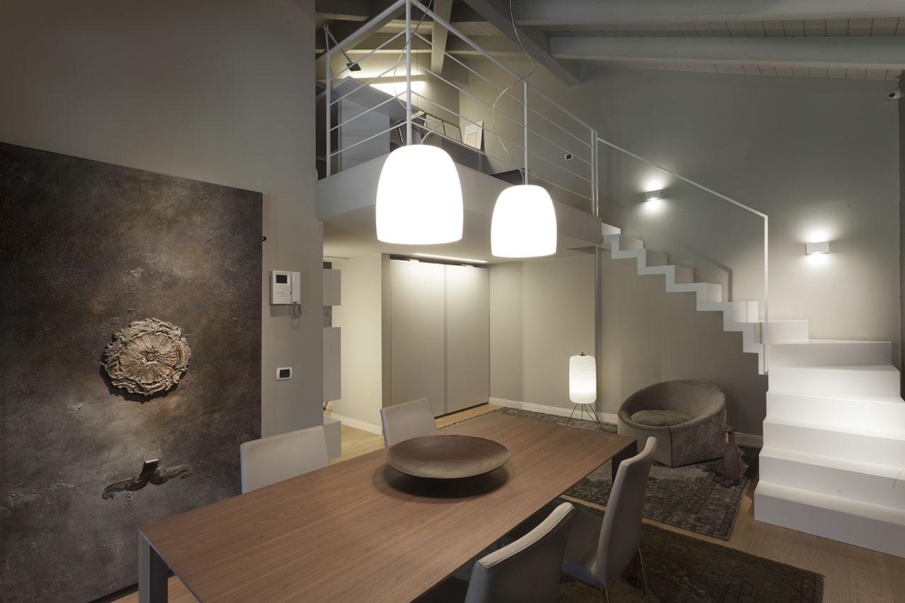 Total design in mansarda - Pranzo