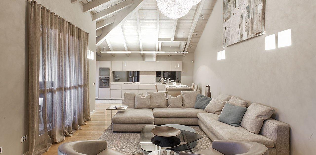Total design in mansarda - Salotto