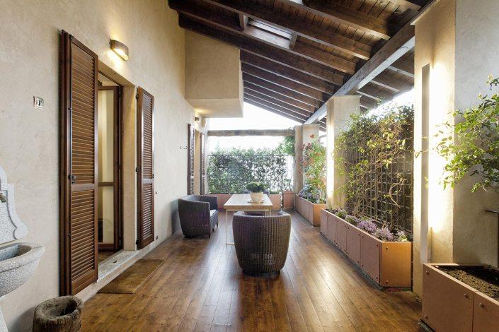 Rinnovata cascina lombarda - Terrazzo