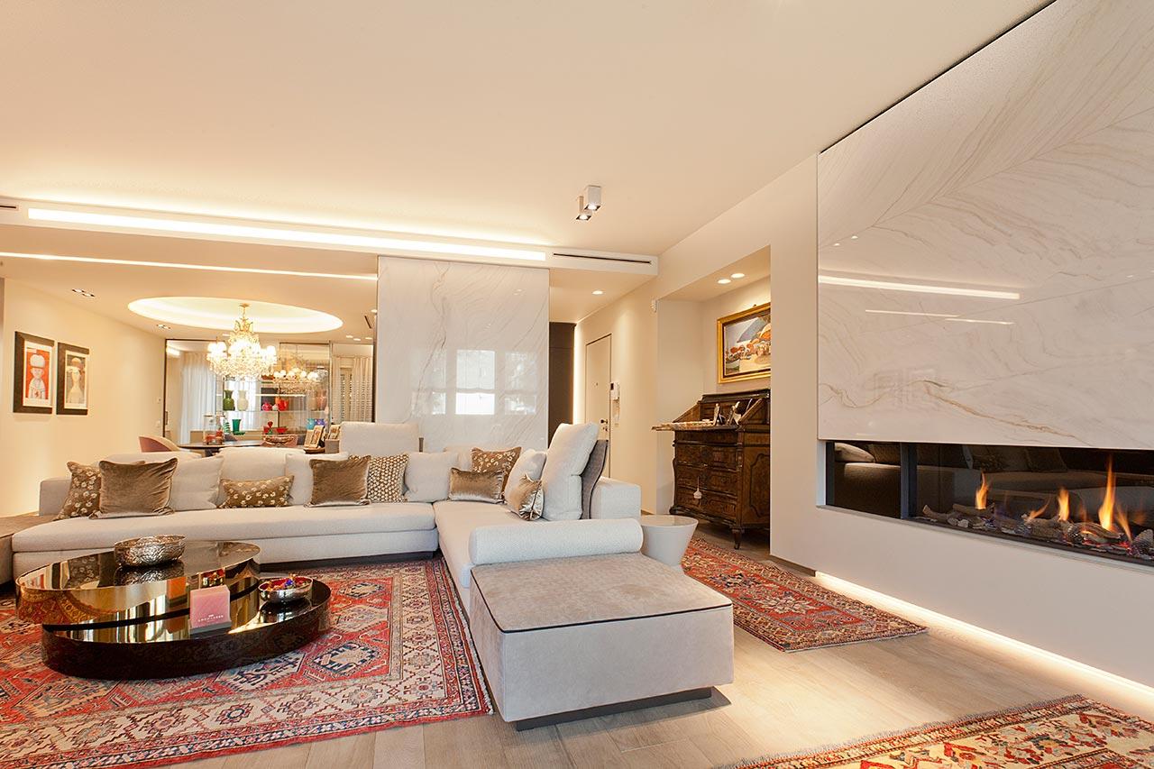 Marmo e stile soggiorno e camino ellepi interior design for Soggiorno camino