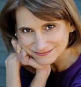 Elle Trapkin, private holistic therapist