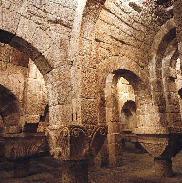 Turismo por Navarra: Cripta de Leire. Fotografía cedida por el Archivo de Turismo Reyno de Navarra