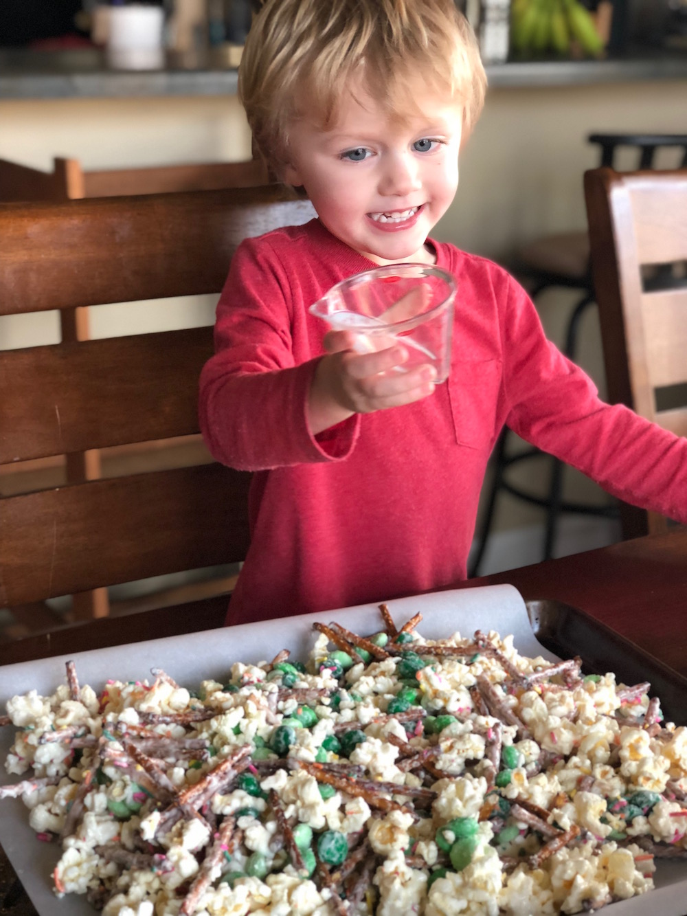 Leprechaun Popcorn Munch - A Leprechaun Bait St. Patrick's Day Snack Mix | Recipe from Ellie And Addie