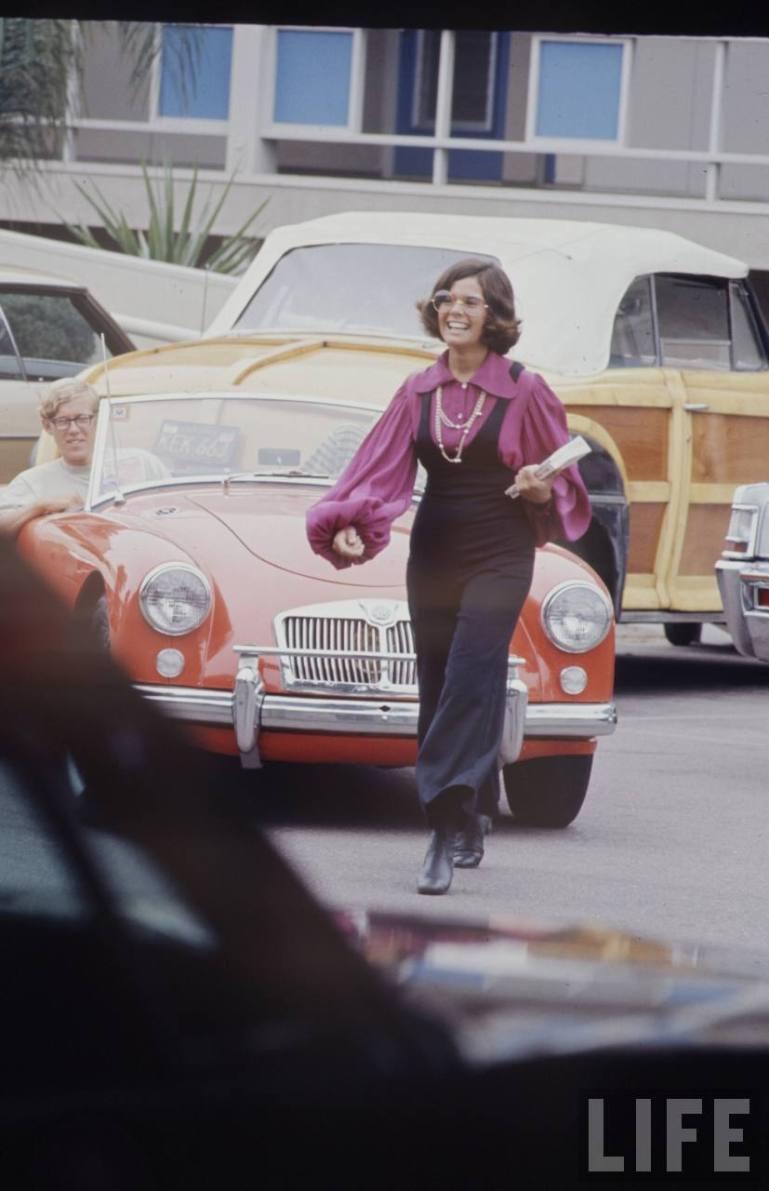hippie high school fashion 1969