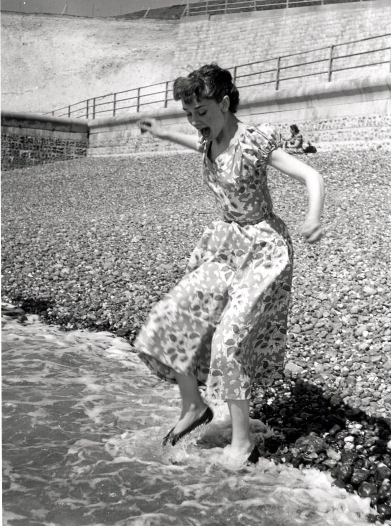 audrey hepburn photoshoot brighton 1951