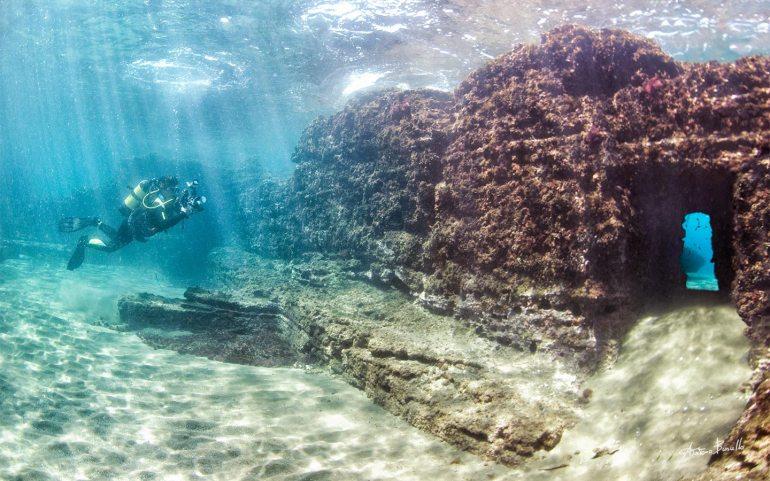 underwater grotto italy