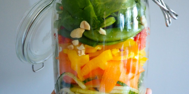 Veg out this summer – Spiralised Satay Salad