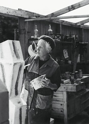 Elli Hemberg i Ateljén