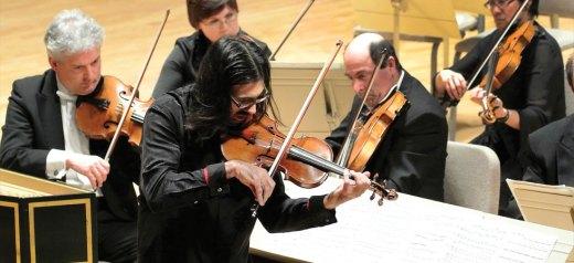 Υποψήφιος για Grammy ο Έλληνας βιολονίστας Λεωνίδας Καβάκος