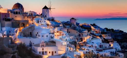 Travel+Leisure: Κορυφαίο νησί στον κόσμο η Σαντορίνη