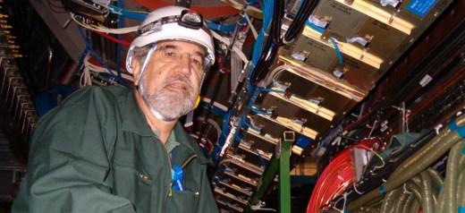 """Ο Έλληνας καθηγητής Φυσικής που συγκαταλέγεται στη """"Dream Team"""" του CERN"""