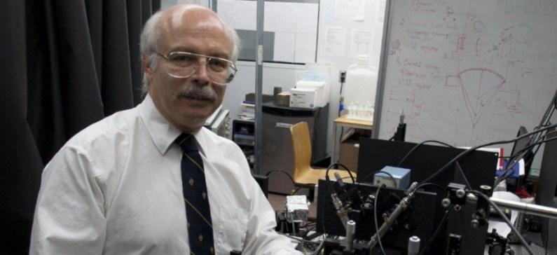 Πρωτοπόρος στη Φωτονική και Φωτοθερμική επιστήμη