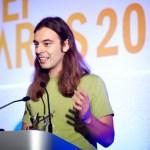 Στιγμιότυπo απο την ομιλία κατα την παραλαβή του βραβείου