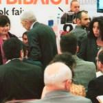 Ο Δήμαρχος Θεσσαλονίκης Γιάννης Μπουτάρης ανάμεσα στο κοινό της έκθεσης