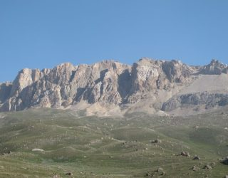 Το-βουνό-Qizil-Qaya-3726m.