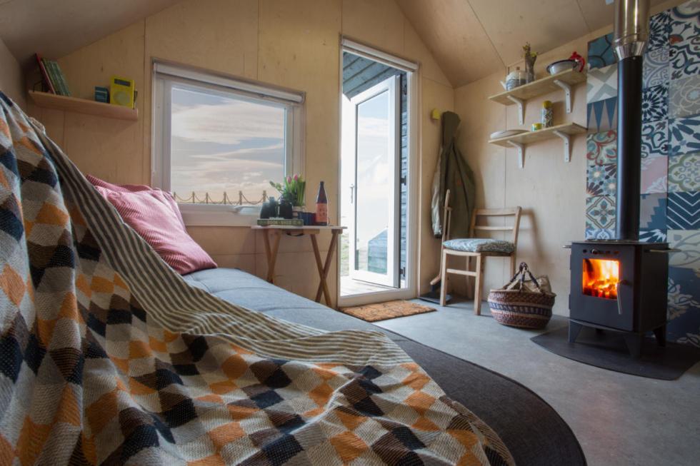 Lounge-window