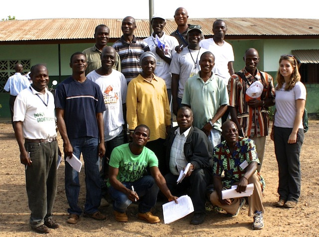 Chelsea-Anderson-Veterinarians-without-Borders-poultry-training-Liberia