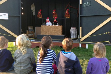 """Educational """"Chicken Show"""" at Ellms Family Farm"""