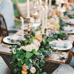 EVENTS TRENDING: TABLE GARLANDS