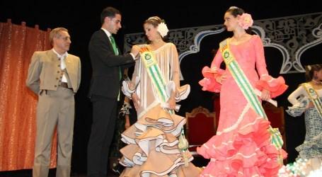 Los andaluces de Mislata coronan a Ana Jiménez y Lucía Pascual como nuevas reinas de la asociación