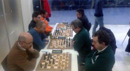 80 ajedrecistas se dan cita en Paterna