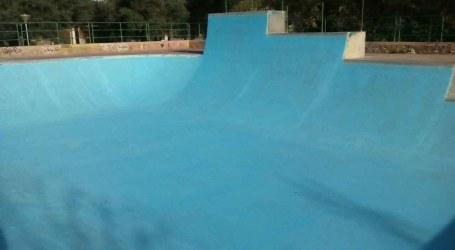 Las pistas de skate del Parque La Granja de Burjassot lucen relucientes