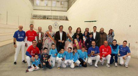 Manises celebra su tradicional partida de Pilota Valenciana de Fallas