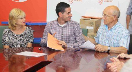 Mislata renueva sus convenios de colaboración con las asociaciones y colectivos de personas mayores