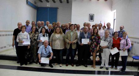 Manises entrega los diplomas del curso de Internet y Redes Sociales