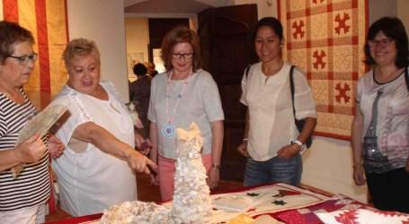 Les ames de casa exposen al Castell d'Alaquàs