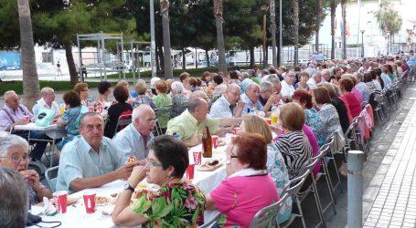 Una cena popular clausura la Semana del Mayor de Benetússer