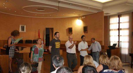 El alcalde de Paterna recibe a los becados por el programa La Dipu te Beca