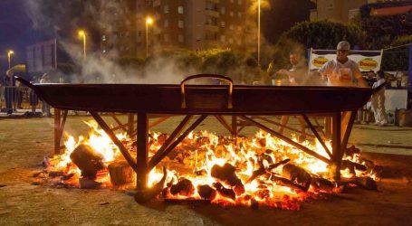 La Falla Mariano Benlliure de Burjassot celebra su Mig Any con concurso de paellas