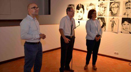 El Castillo de Alaquàs expone 'Personajes célebres' del artista Emilio Sierra