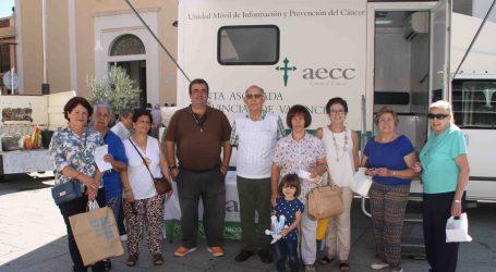 La unitat mòbil d'informació i prevenció del càncer de pell visita Sedaví
