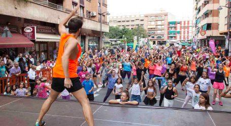 Más de 1.200 personas participan en el Marató Jove de Fitness de Mislata