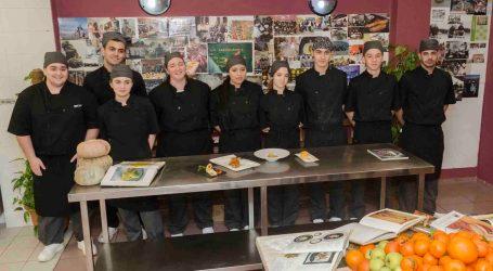 Mislata forma a jóvenes que han dejado sus estudios como futuros cocineros