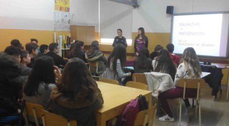Burjassot trata con los jóvenes los mitos y creencias de la violencia de género