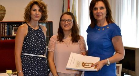 Paula Honrubia recoge el Premio de Ciencias Sociales de Quart de Poblet por una investigación sobre el patrimonio hidráulico