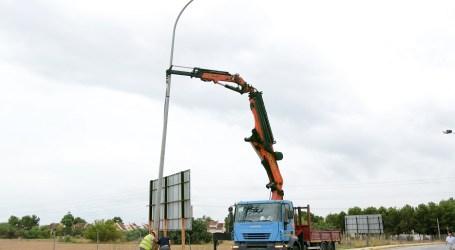 Paiporta il·lumina la carretera d'Albal a la urbanització l'Horta