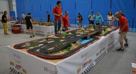 El Rally de Scalextric de Benetússer reúne a más de cien aficionados
